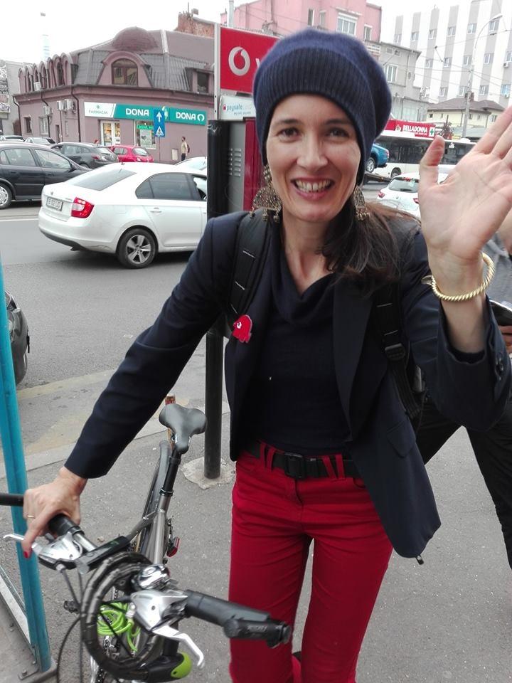 Imagini pentru clotilde armand cu bicicleta  photos