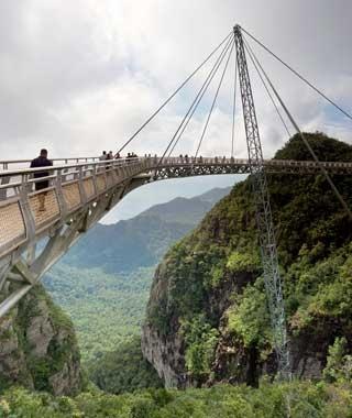 Cele mai spectaculoase poduri pietonale din lume (Galerie foto)