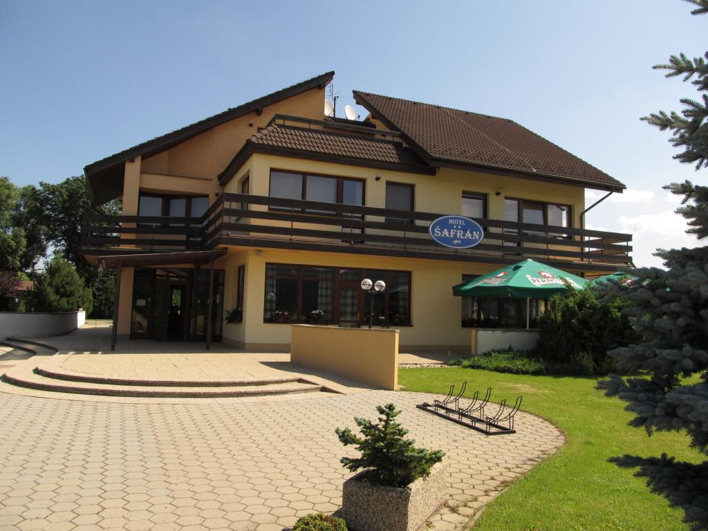 Case de vacanta in romania de la la 1 5 milioane for Case de lemn pret 10000 euro