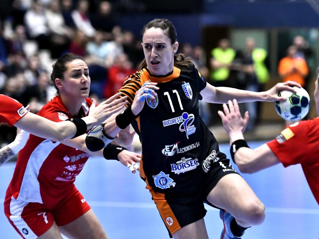 Romanian handball team CSM Bucuresti win men's Challenge ...  |Csm Bucuresti