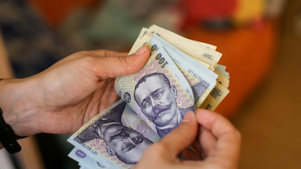 """Cristian Popa (BNR): """"Există un exces de economisire bancară care poate să meargă spre economia reală românească"""""""